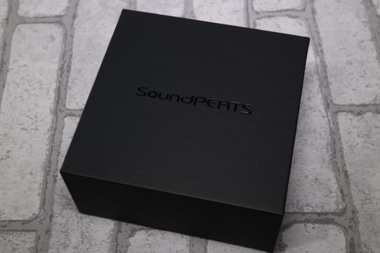 SoundPEATS Q15 外箱