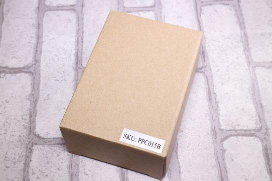 外箱です。 シンプルな箱にシールがAmazon上での識別コードが貼られているだけで中身はわかりにくいです。