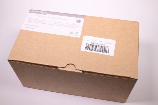 外箱はシンプルです。 詳細はシールに貼ってあるので中身はわかりやすいですね。