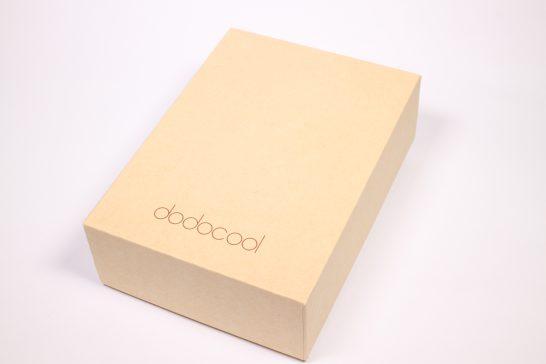 いつもどおりのシンプルな箱です。